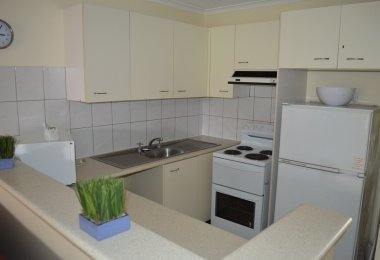 2 Bedroom Townhouse - Kitchen